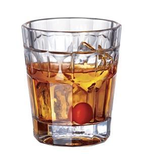 manhattan drink on the rocks