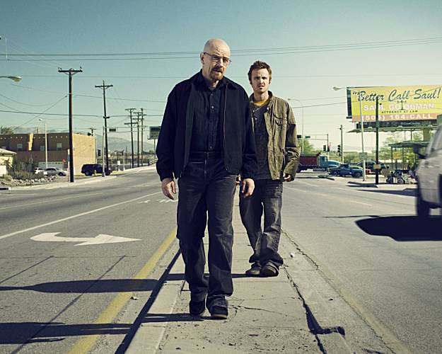 Walter White's Wardrobe From Breaking Bad: Walter white on street breaking bad in dark colors