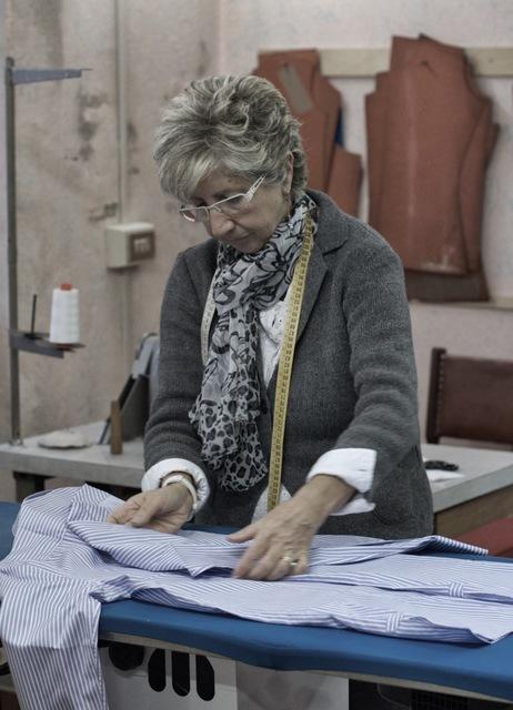 How to measure dress shirts: The tape measure
