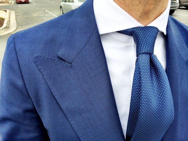 Dress shirt collars: Wide lapels jacket