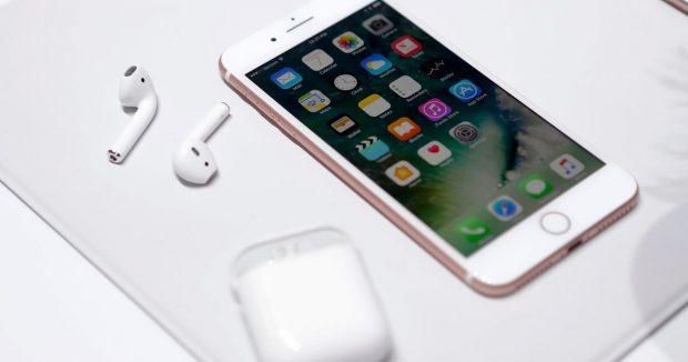Apple iPhone 7 Headphone Jack: air pods